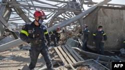 فرانسیسی ماہرین کی ٹیم مقامی انتظامیہ کے ساتھ مل کر دھماکوں کی تحقیقات کر رہی ہے۔