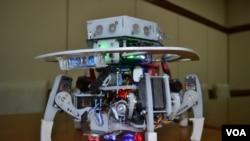 Robot pemadam api yang memperoleh medali emas dalam Trinity Fire Fighting Robot Contest dan RoboGames 2013 Olympics of Robots di Amerika Serikat.