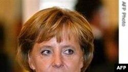 صدر اعظم آلمان از پیروزی ائتلاف راست میانه در انتخابات آن کشور خبر داد
