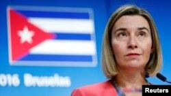 Người đứng đầu Uỷ ban Chính sách Đối ngoại của Liên minh châu Âu Federica Mogherini tổ chức một cuộc họp báo sau cuộc gặp với Ngoại trưởng Cuba Bruno Rodriguez tại Hội đồng EU, Brussels, Bỉ, ngày 12 tháng 12 năm 2016.