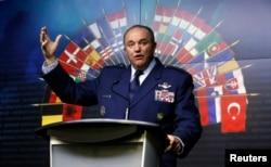 NATO bosh qo'mondoni, AQSh generali Filip Bridlov