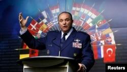 필립 브리드러브 NATO군 사령관이 5월 6일 캐나다에서 연설하고 있다 (자료사진)