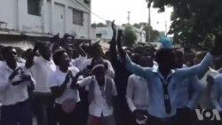 Ayiti: Plizyè Elèv Bakaloreya Manifeste nan Pòtoprens Paske Siveyan yo Pa Bayo Ase Tan pou Konpoze