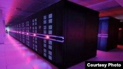중국의 슈퍼컴퓨터 '톈허-2' 호가 세계에서 가장 빠른 컴퓨터로 조사됐습니다.