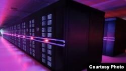 """中国国防科学技术大学研制的""""天河二号""""超级计算机"""