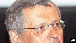 Υπέρ απολύσεων στο δημόσιο ο Στέφανος Μάνος