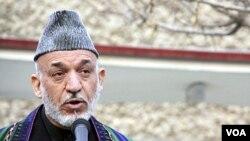 President Afghanistan Hamid Karzai menyerukan agar tentara NATO ditarik dari desa-desa di Afghanistan.