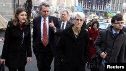 Wendy Sherman geçen ay Kiev'de temaslar yürütmüştü