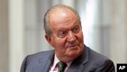 El rey Juan Carlos y el presidente Barack Obama se despidieron conversando telefónicamente.