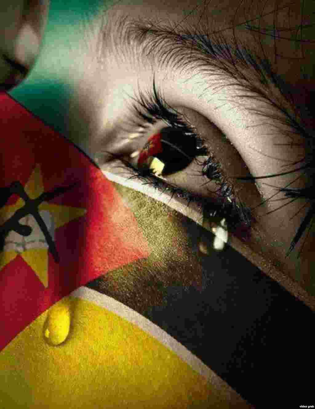 Versões desta foto estão a circular entre Moçambicanos no Facebook que apelam à paz neste momento controverso no país.