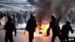 Egjipt: Protestat vazhdojnë me thirrjet kundër regjimit të Hosni Mubarakut