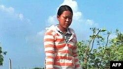 Cô Souem trồng trọt vào mùa khô dùng nước từ hệ thống thủy lợi