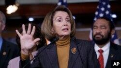 """La líder de la minoría en la Cámara de Representantes, Nancy Pelosi, reconoce que acciones del presidente Trump son """"imprudentes""""."""