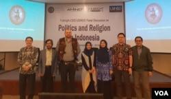Para narasumber dalam diskusi Politics and Religion in Indonesia di Auditorium CSIS, Jakarta, Kamis (2/5). (Foto: VOA/Ghita)