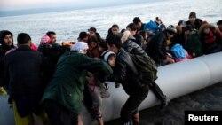 Afg'onistonlik migrantlar Gretsiyaga yaqinlashmoqda