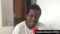 Guerschom Gobouang, un slameur engagé à Brazzaville, le 30 mai 2018. (VOA/Arsène Séverin)