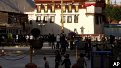 En la foto el Templo de Jokhang en Lhasa, China.
