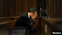 Oscar Pistorius trong phiên xử tại tòa án ở Pretoria, Nam Phi