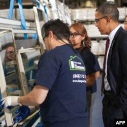 Prezident Obama yirik korxonalardan birida