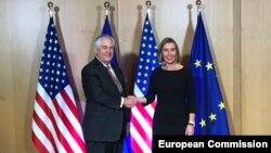Visoka predstavnica EU Federica Mogherini i američki šef diplomatije Rex Tillerson, Brisel 5. decembar 2017.