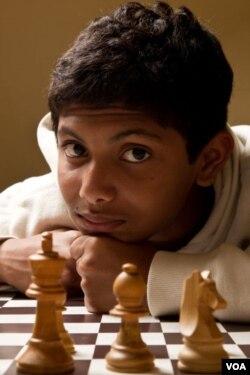 Dünya Satranç Şampiyonu Bangladeşli Fahim