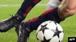 چهارمین هفته مسابقات فوتبال ليگ برتر با تساوی استقلال تهران و ملوان آغاز شد