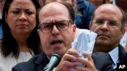 El presidente de la Asamblea Nacional de Venezuela, Julio Borges desconoce sentencia del Tribunal Supremo.