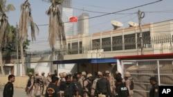 Militè pakistanè ki sou plas Konsila Lachin nan kote bandi te atake l 23 novanm 2018.