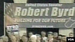 Robert Byrd je 2006. godine izabran po deveti put za senatora