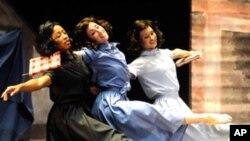 Baletni ansambl Nashvillea svake godine izvede oko 150 nastupa izvan kazališta