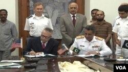 Lễ ký kết Biên bản ghi nhớ về đường tiếp tế của NATO tại thành phố Rawalpindi của Pakistan hôm 31/7/12