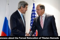 FILE - U.S. Secretary of State John Kerry, left, and Russian Foreign Minister Sergei Lavrov.