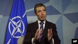 Tổng thư ký NATO Anders Fogh Rasmussen phát biểu tại trụ sở của liên minh ở Brussels
