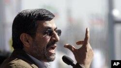 احمدي نژاد: ایران به ډیر ژر خپل اټمي پرمختګونه برملاه کړي