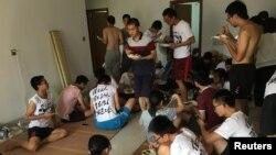 Các sinh viên tranh đấu cho quyền của người lao động.