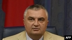 Meta, kundër konfliktit mes Partisë Demokratike dhe Presidentit Bamir Topi