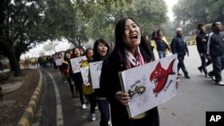 지난 17일 뉴델리에서 열린 인도-중국 국경회담 당시 '티베트 해방'을 요구하는 티베트 시위대 (자료사진)