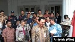 Gubernur DKI Jakarta Basuki Tjahaja Purnama (Ahok) di Balai Kota Jakarta (Foto: VOA/Andylala)