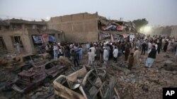 阿富汗民眾悼念炸彈爆炸遇難者