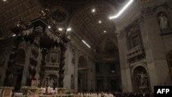 Đức Giáo hoàng Benedicto 16 đã cầu chúc cho hòa bình.