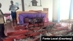 Igreja Católica do distrito de Muidumbe, após ataque de insurgentes. Província de Cabo Delgado, Moçambique.
