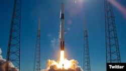 Vigésimo lanzamiento del cohete Falcon 9 de Space X el 5 de diciembre de 2018, cuando puso en órbita una cápsula Dragon que llevó suministros a la Estación Espacial Internacional.