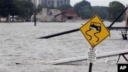 洪水泛滥的密西西比河