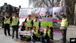 '재유럽 조선인 총연합회' 소속 탈북자들 시위 현장