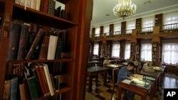 В одном из залов Российской государственной библиотеки (архивное фото)