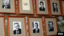 资料照片:诺贝尔委员会2010年宣布刘晓波获得诺贝尔和平奖后,他的照片与历届得奖人一道,挂在诺贝尔委员会会议室的墙上。