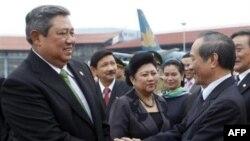 Tổng thống Indonesia Yudhoyono từng nói rằng Indonesia hy vọng sẽ đạt được một thỏa thuận hợp tác về quốc phòng với Việt Nam trong đó bao gồm việc thực hiện các cuộc tuần tra chung trên biển.