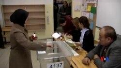 2015-11-01 美國之音視頻新聞: 土耳其在經濟政治不穩中第二次舉行選舉