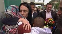 2019-03-17 美國之音視頻新聞: 新西蘭清真寺槍擊案死亡人數升至50人 當局開始將 屍體交給親屬
