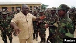 Laurent-Désiré Kabila, chef des rebelles qui finiront par renverser Mobutu Sese Seko, à Uvira en RDC, le 12 février 1997.